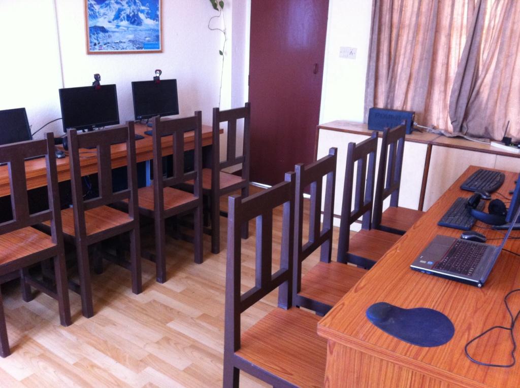 Computerraum im Hostel